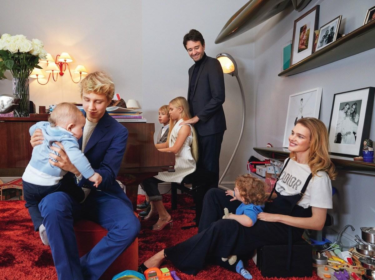 Водянова показала свою семью и жилье в Париже. Вы будете впечатлены!