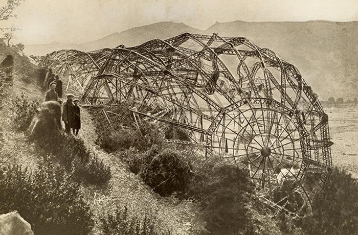 Обломки дирижабля. Мисоне, Франция. 1918 год.