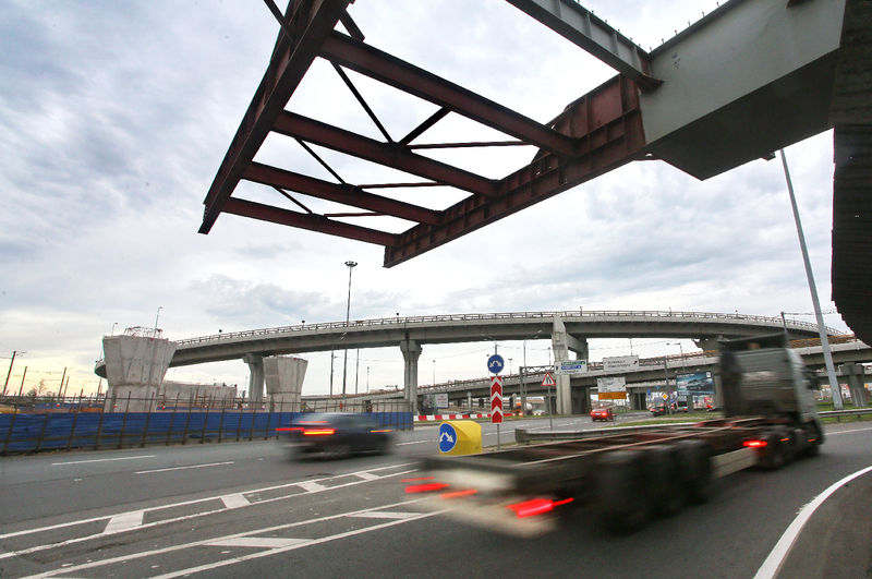 Стало известно, сколько потратят на новые дороги в Москве в ближайшие два года