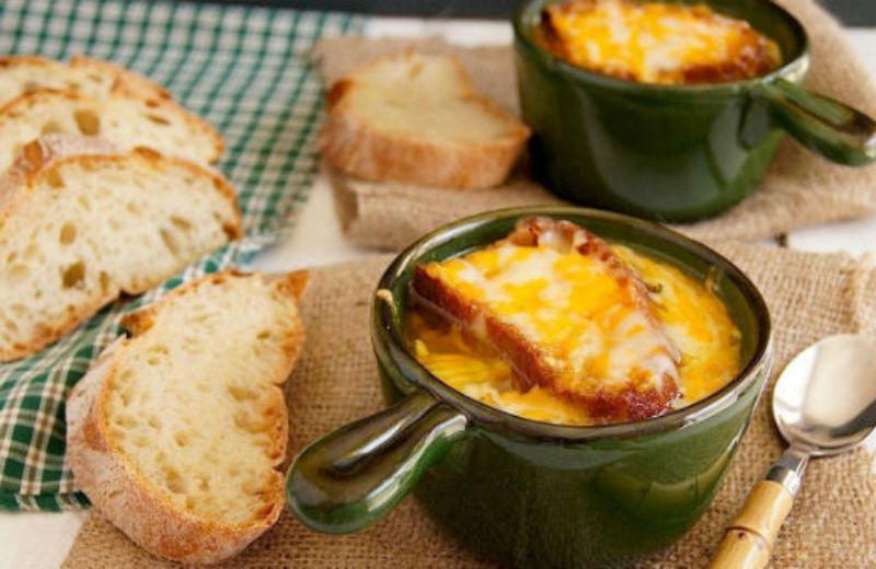 Французский луковый суп. Ароматный и очень вкусный