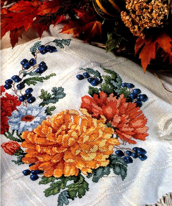 """Схемы для вышивки крестом — """"Цветы"""". Красиво смотрится на подушке или скатерти"""