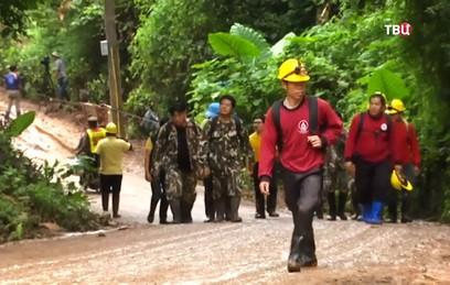 В Таиланде проходит третья фаза операции по спасению детей из пещеры