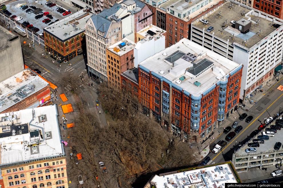 «Площадь Первопроходцев» (Pioneer Square)
