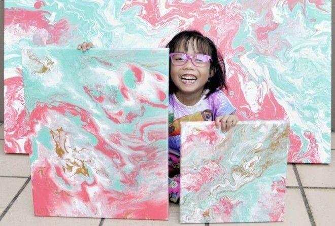 Пятилетняя художница продаёт свои абстрактные картины и отдаёт деньги детям