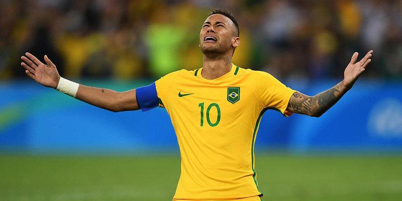 Бар в Бразилии будет бесплатно наливать пиво после каждого падения Неймара