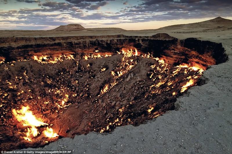 Дарваза, газовый кратер в Туркменистане красиво, планета, природа, путеводитель, путешествия, туризм, фото, чудо природы