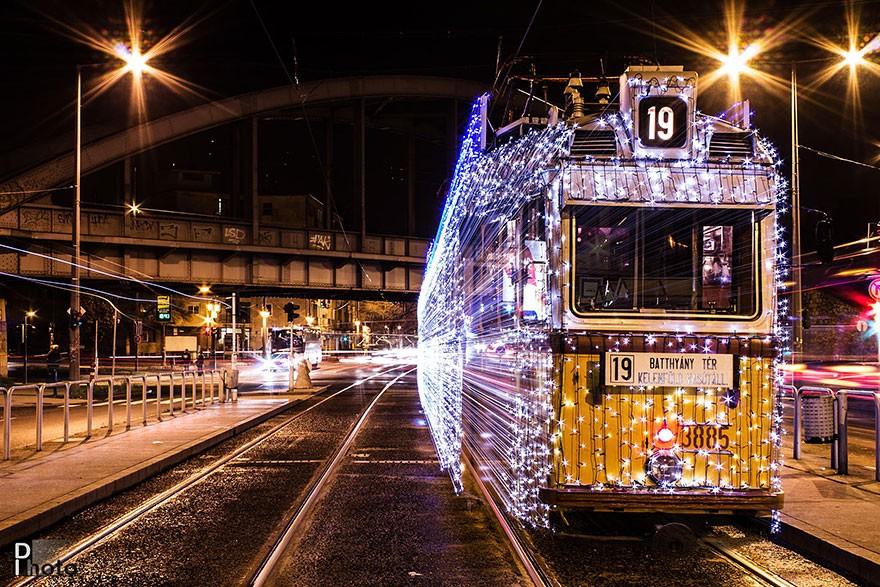 trams01 Чудесные светящиеся трамваи в ночном Будапеште