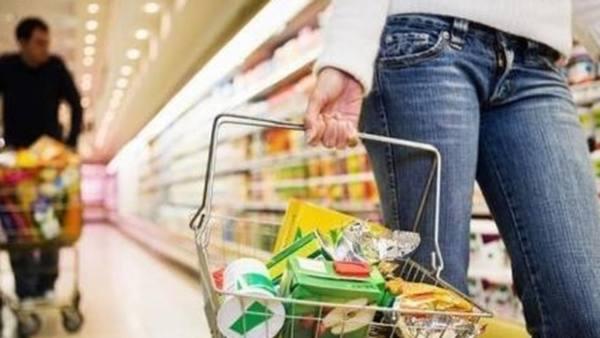 """Жители края ежегодно тратят по 144 тысячи на еду, """"коммуналку"""" и товары"""