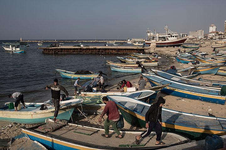 Рыбалка под обстрелом на побережье Сектора Газа