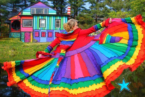Не выбрасывайте старые свитера - море идей для переделки.  Цветы и другие поделки из сосновых шишек.