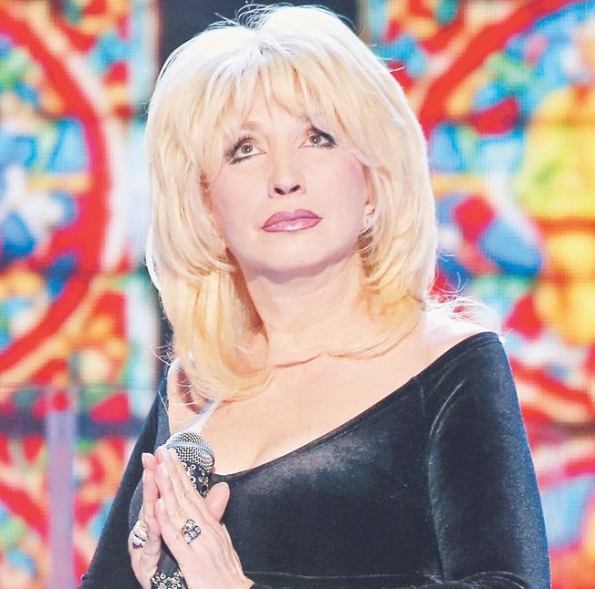 Даже Ольга Бузова себе такого не позволяет: Солнцев осудил Ирину Аллегрову за пение под фонограмму
