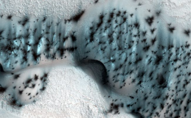 Удивительные фотографии зимнего Марса