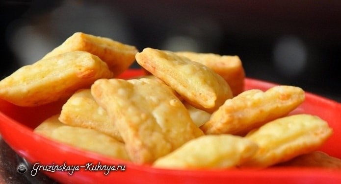 Как приготовить сырные чипсы (2)
