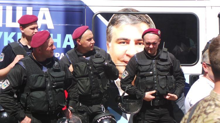 Это будет новый Майдан! Украинцы со всей страны едут на границу встречать Саакашвили