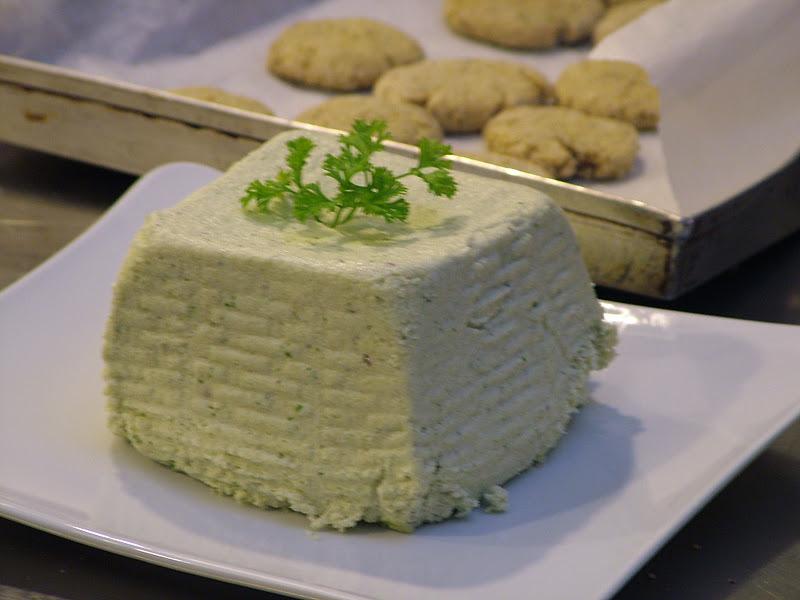 Сыр из подсолнечных семечек — веганский рецепт