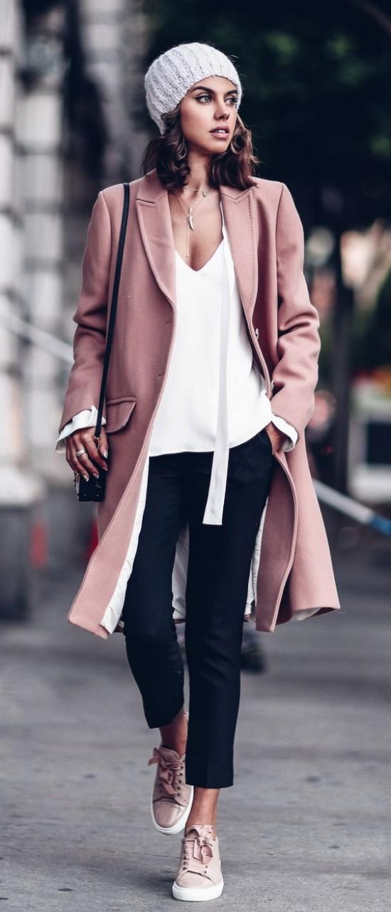 Базовый гардероб: 22 вещи, без которых не обойтись стильным женщинам