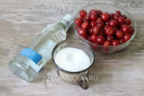 Как сделать наливку из вишни с косточкой в домашних условиях