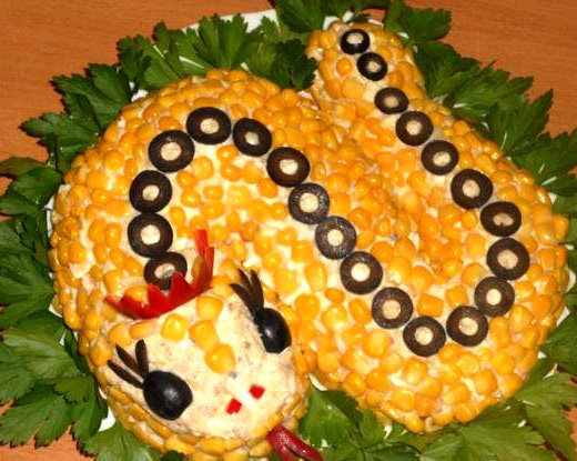 новогодний салат змея