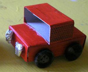 Автомобиль из коробков