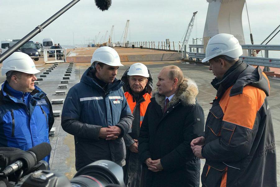 Путин на Крымском мосту. Порошенко злится, Мэй объявляет меры, народ сплачивается?