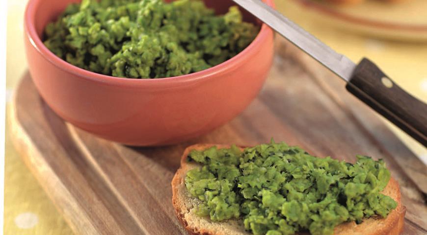 Пюре из зеленого горошка с мятой и базиликом