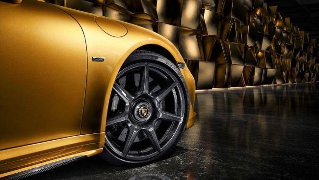 Porsche первым в мире предложил колёса из углеродного волокна