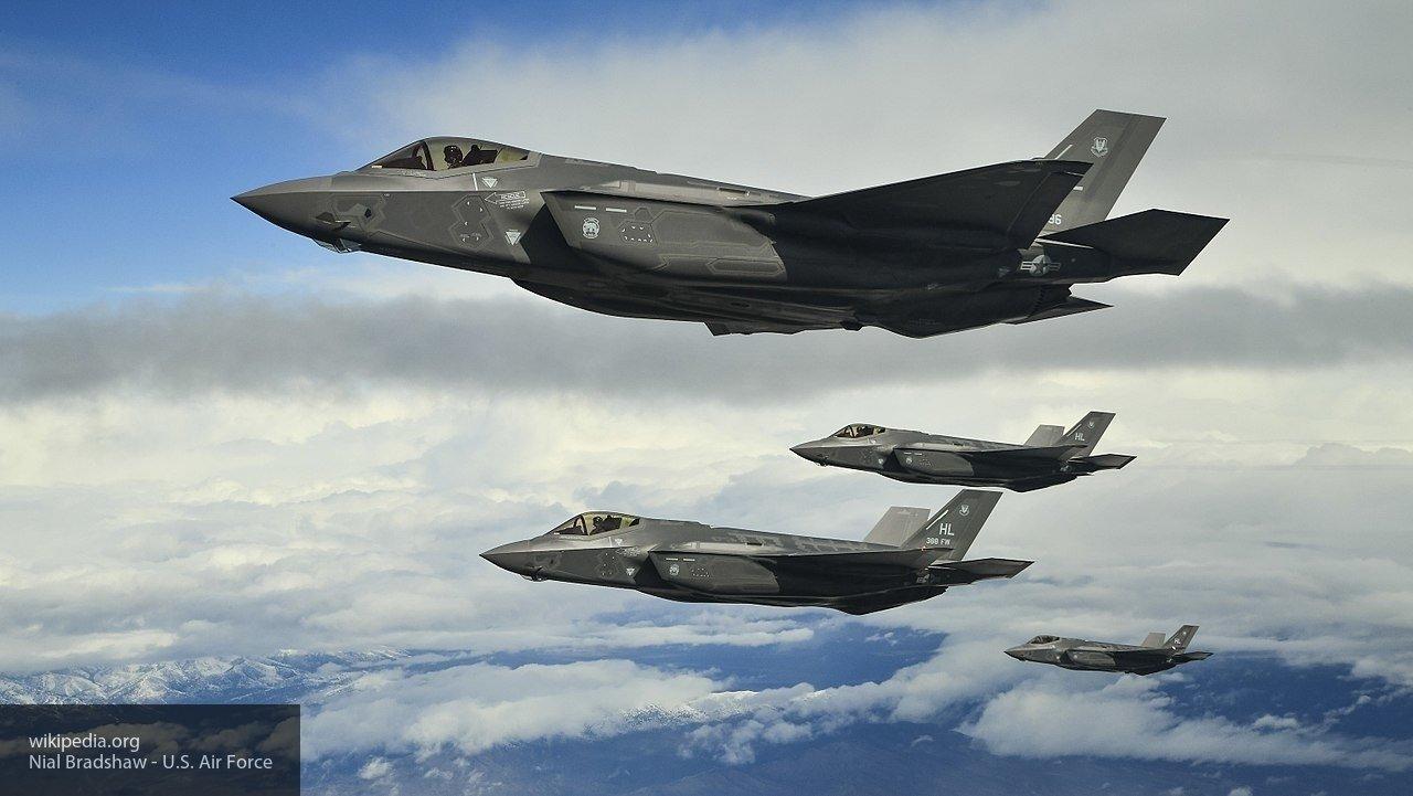 Стало известно, почему Пентагон приостановил полеты истребителей F-35