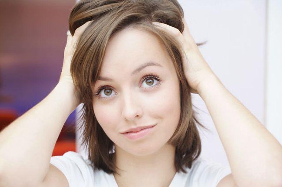 Облысение у женщин: 11 причин, почему вы теряете волосы