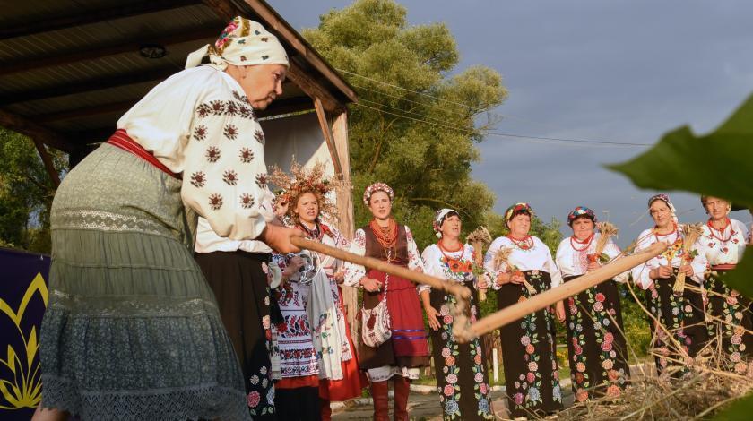 Украина отстала от соседей на сто лет