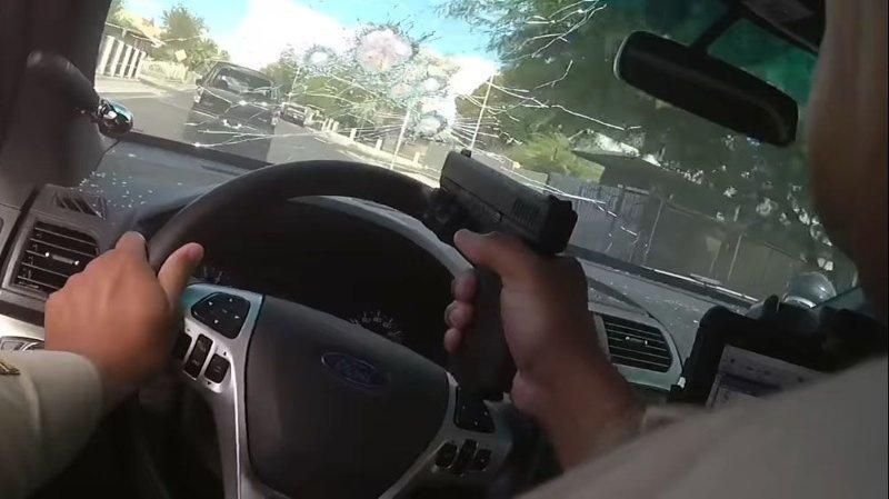 Эффектная полицейская погоня…