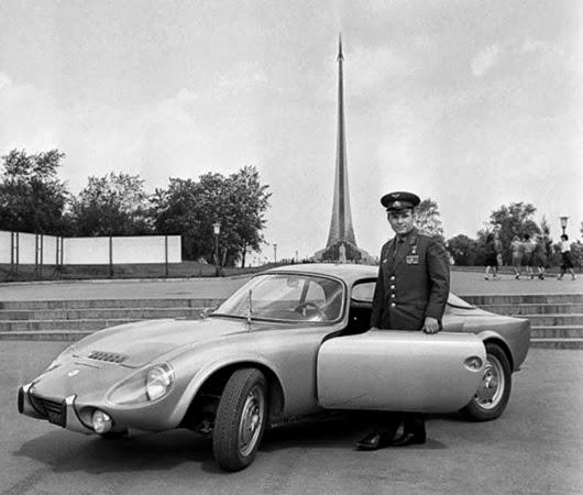 Подарок французской компании Matra: спортивный автомобиль Matra Djet. 1965 год.