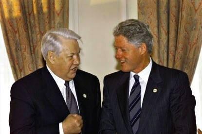Соратник Ельцина рассказал, что наливали в рюмку президенту