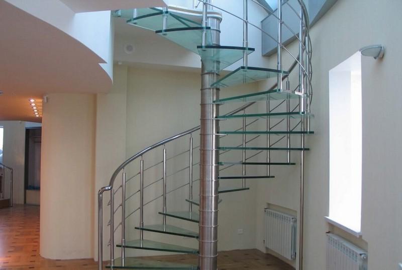 стеклянные ступени для лестниц фото