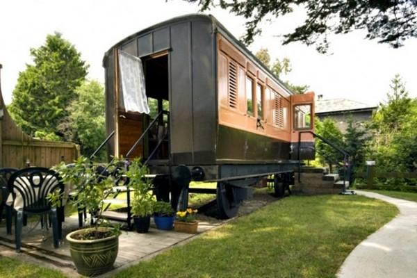 Old Luggage Van – дачный домик в винтажном вагоне