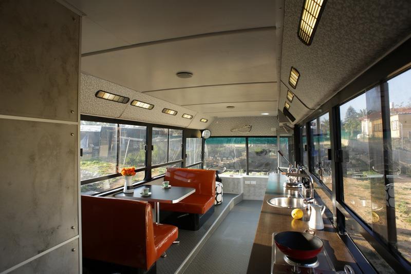 Автобус-дом в Израиле: необычное решение квартирного вопроса