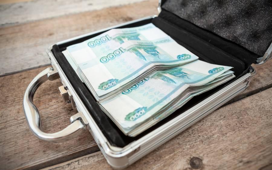 Российским чиновникам увеличат зарплаты