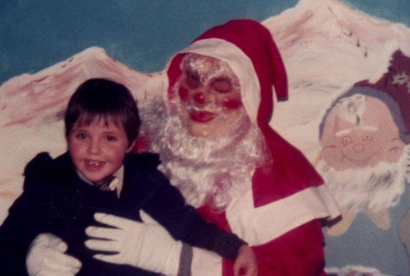 Иногда к детишкам приходят Санты из фильмов ужасов