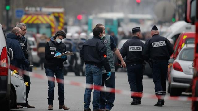 Liberation сообщила о задержании убийц сотрудников Charlie Hebdo. Париж,Франция,журналистика,терроризм,убийства и покушения. НТВ.Ru: новости, видео, программы телеканала НТВ