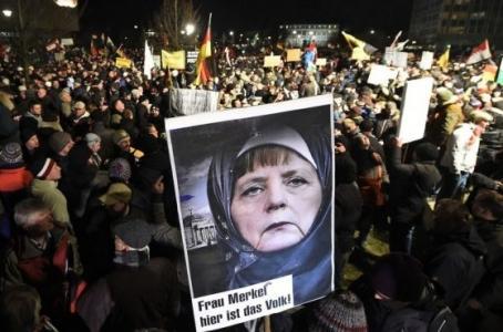 Германия рушится: Немцы зачитываются предсказаниями о закате Европы