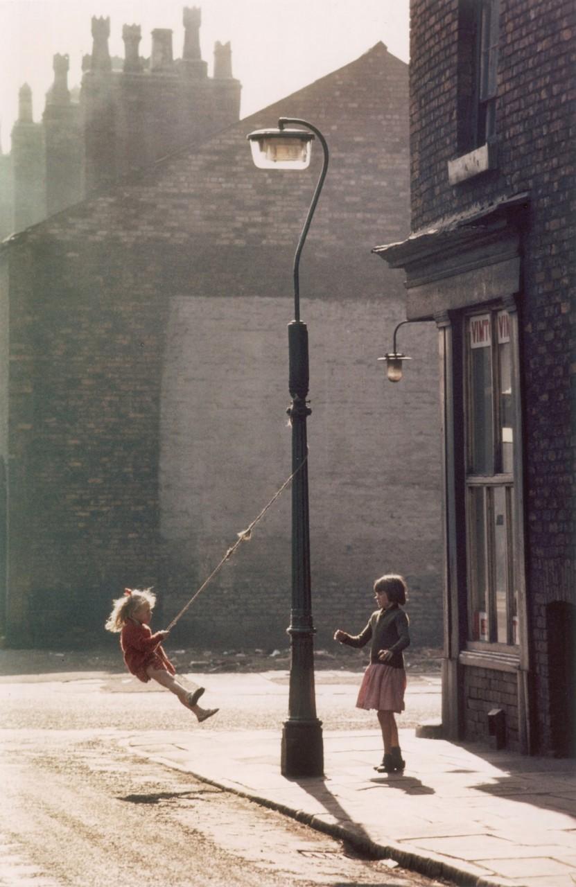 Обаяние трущоб Манчестера в фотографиях Ширли Бейкер 1960-х годов 15