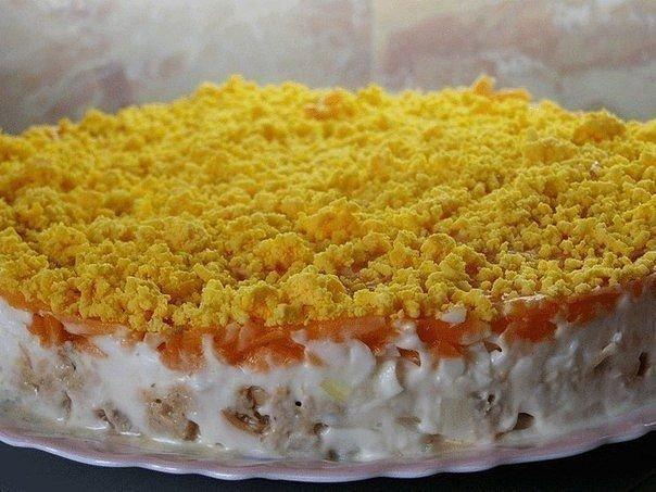Обалденный салат из консервированной горбуши с грибами
