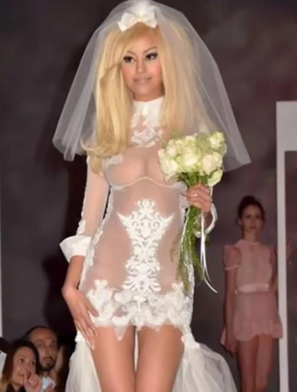 11. Первая свадьба Барби невесты, свадебное платье