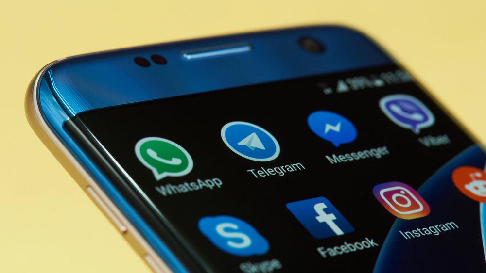 Россияне предпочли мессенджеры звонкам по сотовой связи