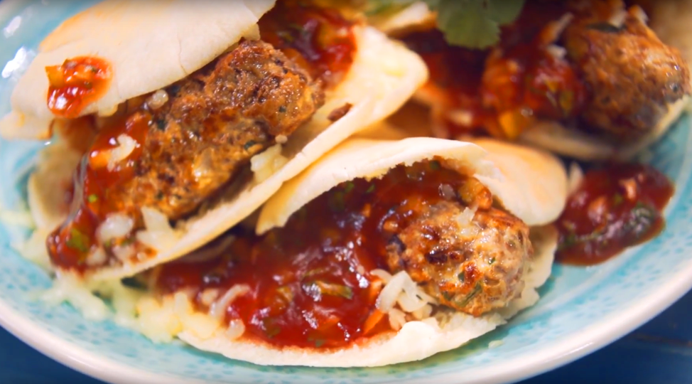 Люля-кебаб в томатном соусе: невероятно вкусное блюдо