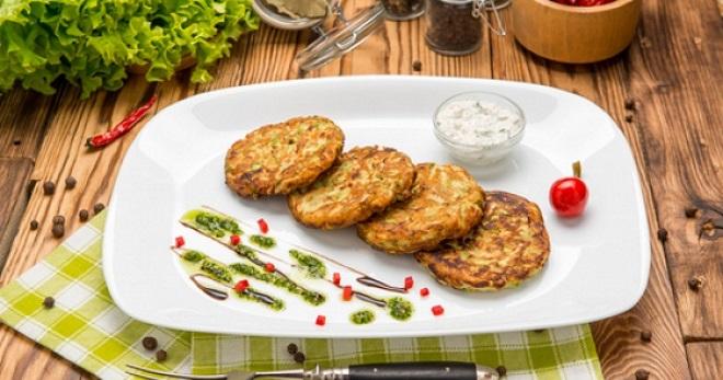 Куриные оладьи – рецепты сытного, вкусного и очень легкого блюда