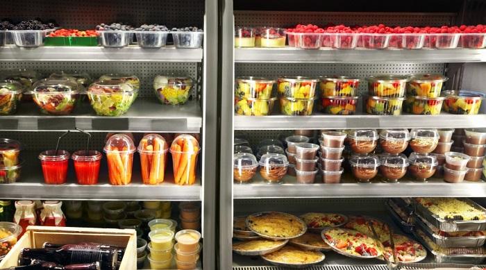 Обычно, фасованная еда стоит дороже, чем те же продукты, но на развес. / Фото: tascanteenassn.org.au
