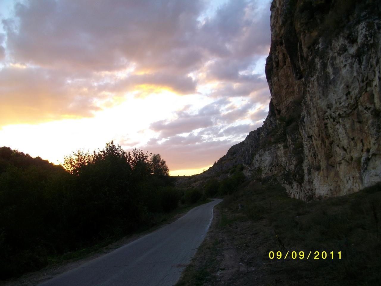 домв село табачка,болгария 80кв.м и земля под ним 950кв.м цена 7000 евро,00359878600910