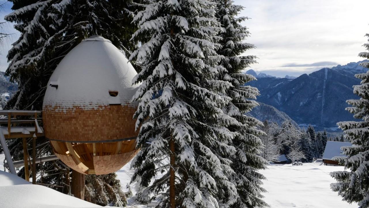 Дом-яйцо в итальянских Альпах