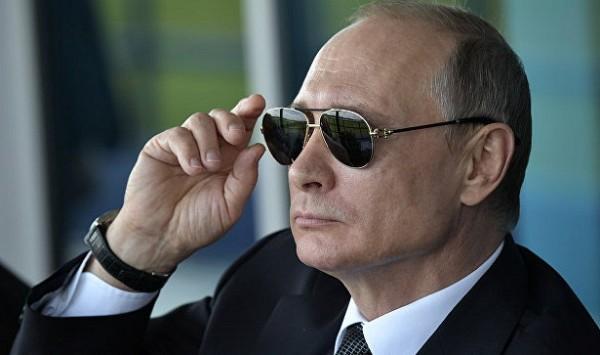 Крымчане устроили акцию «Пут…