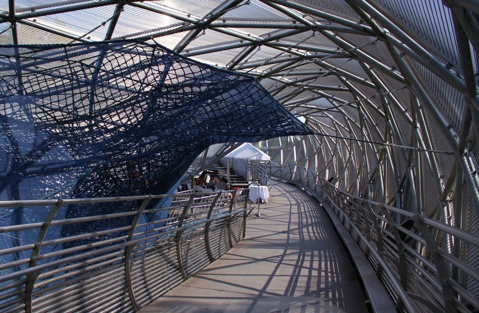 Муринзель: мост-остров в городе Грац (Австрия)